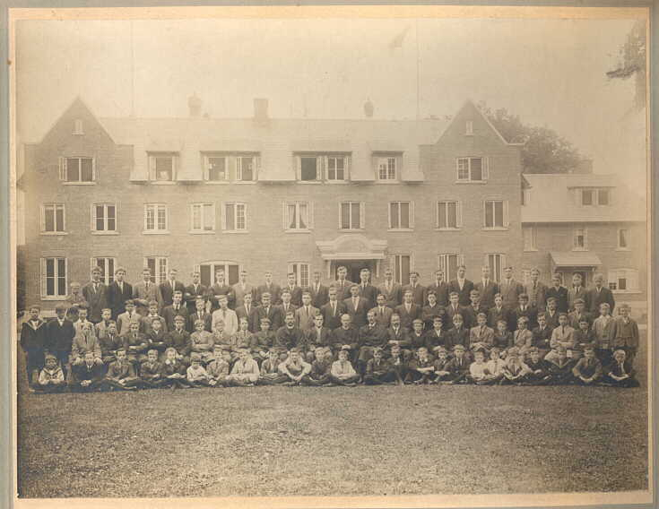 Photograph of Students Ashbury College