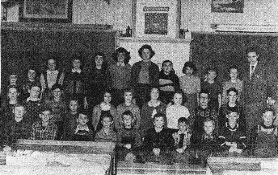 Photograph of a class at Elphin, Ontario, 1953-54.