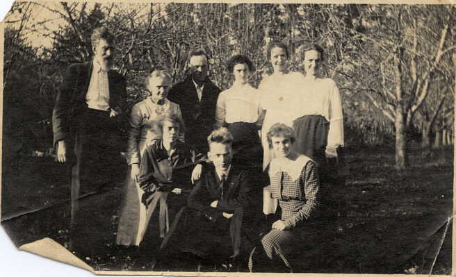 Photograph of Garland family