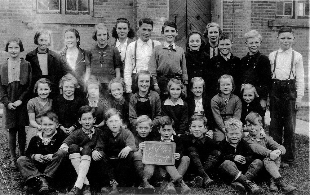 Chinguacousy Township Ontario, S.S. No. 5, 1939, Class Photo